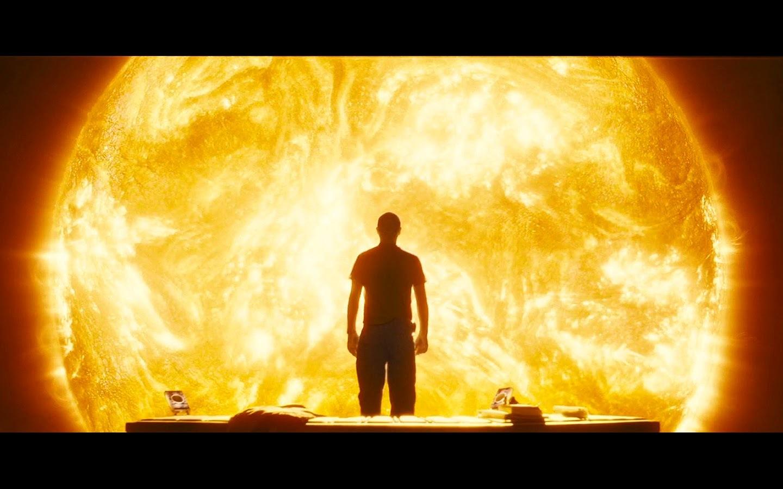 A homályosságba belenézni nem kell félnetek – Napfény (2007) múltidéző esszé
