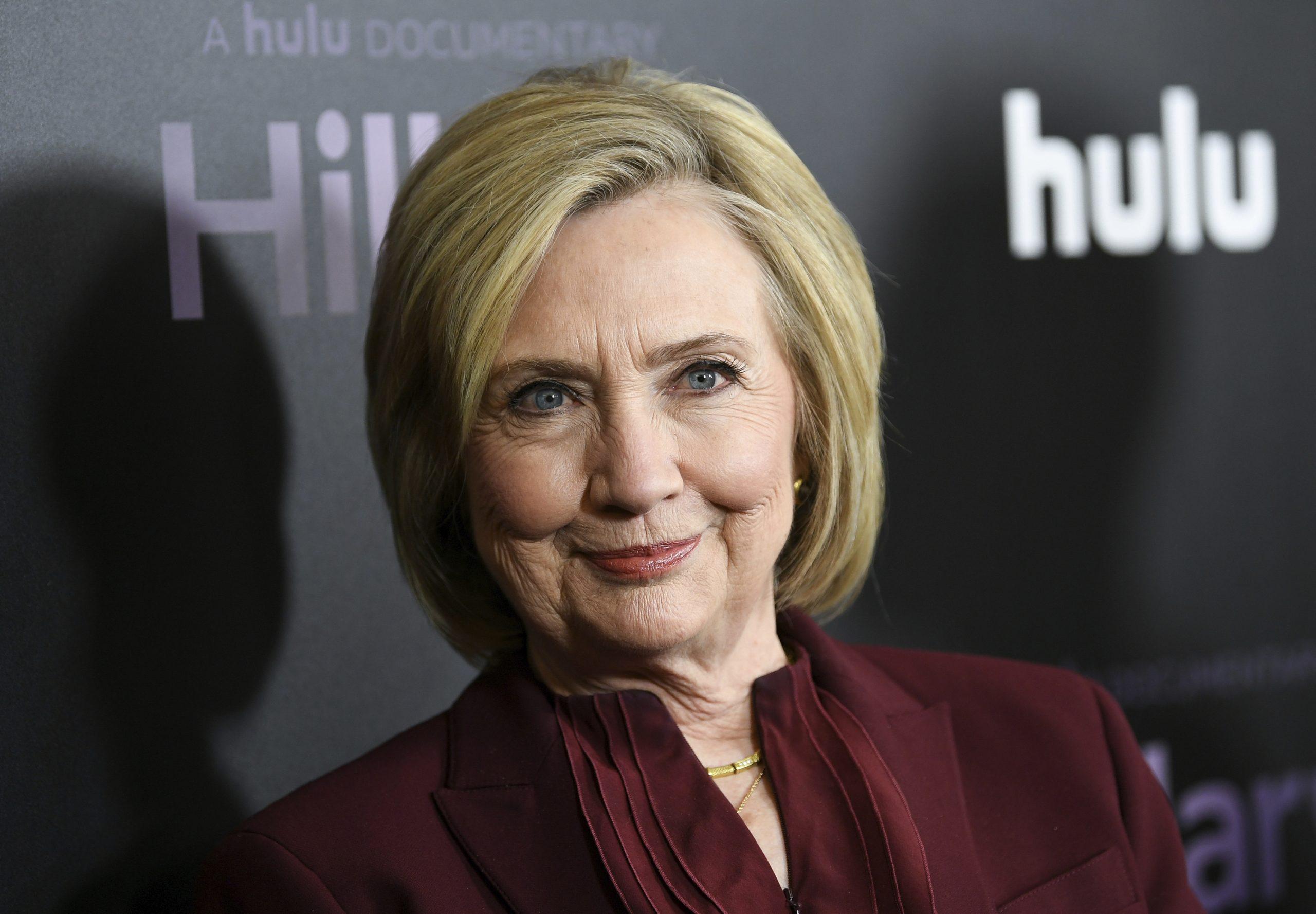 A viszony és A szolgálólány meséje alkotói alternatív történelmi sorozatot készítenek Hillary Clintonról