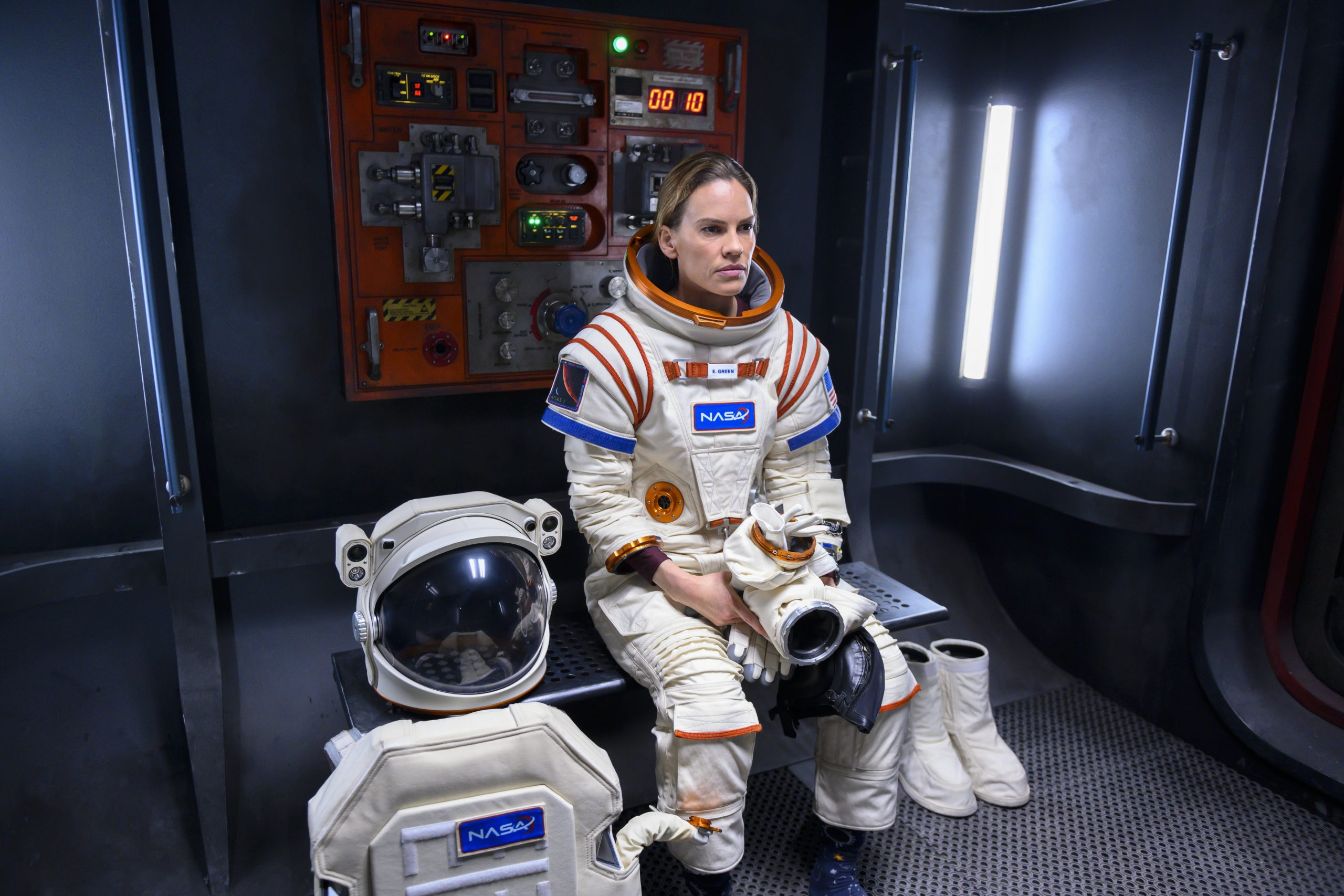 Hilary Swank főszereplésével jön a Netflix egyik leginkább várt őszi sorozata
