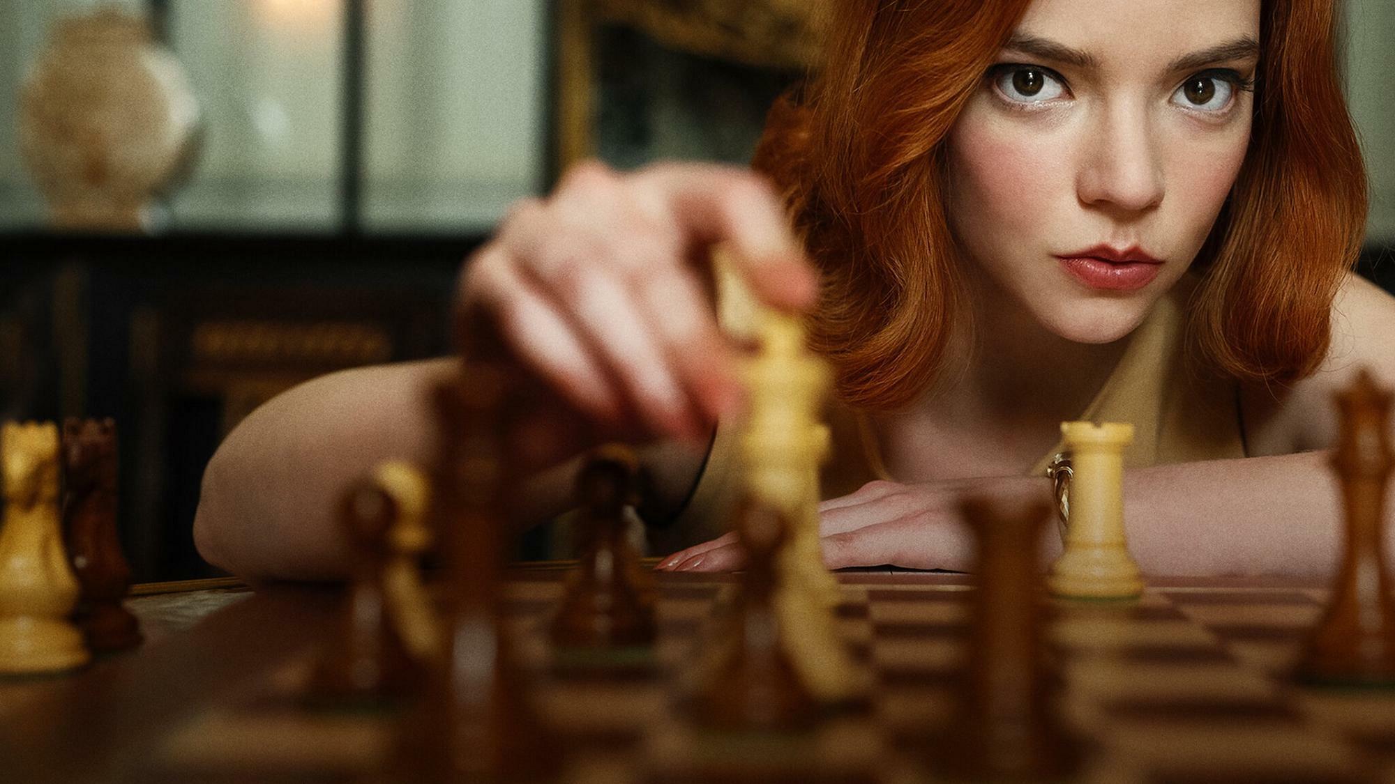 Vezércsel: Sakkban tart az utóbbi idők egyik legjobb drámasorozata!